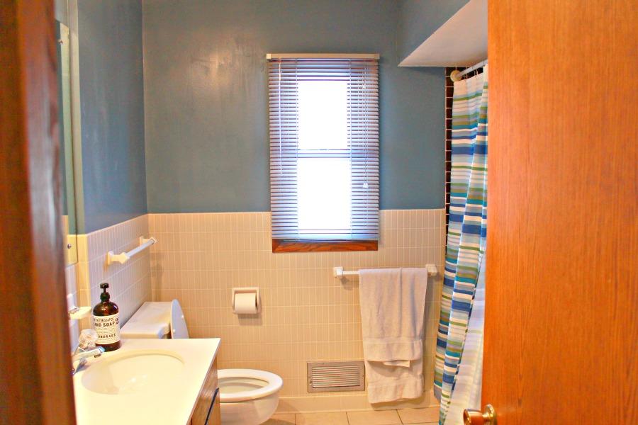 main bathroom before 1